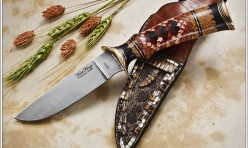 Rattle snake theme knife